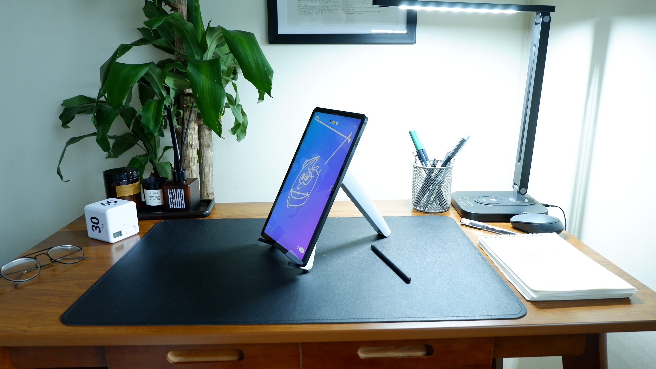 adjust the ultra-portable stand for the right angle
